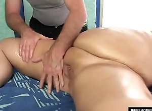 Sexy Plumper Danni Dawson Acquires Her Fat Body Licked and Massaged