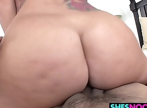 Big ass GF Jamie Jackson gets fat dick