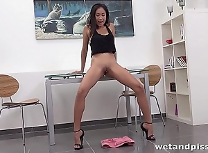 Wetandpissy - Devon Lee toys her wet pussy in hd pissing chapter