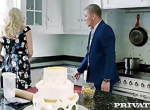 Brittany Bardot, MILF fucked close to the kitchen