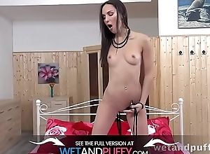 Wetandpuffy - Orgasm To Pay tribute
