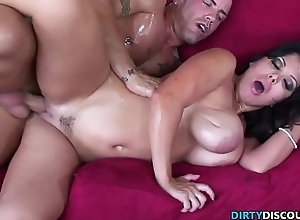 Busty cougar pussyfucked after masturbating