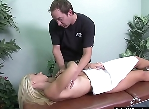 Huge Titted Jessica Lynn Gets Deep Fuck