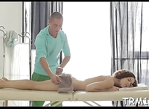Chick couldn'_t hold in her urges