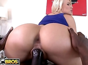 BANGBROS - PAWG Anikka Albrite Gets Pussy Smashed By Wesley Pipes