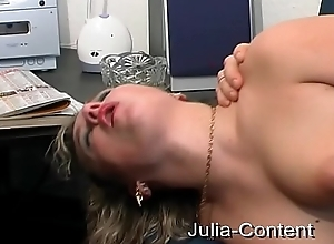 Blonde white bitch fucked on casting-couch