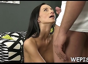 Doxy is pissing and gets drilled
